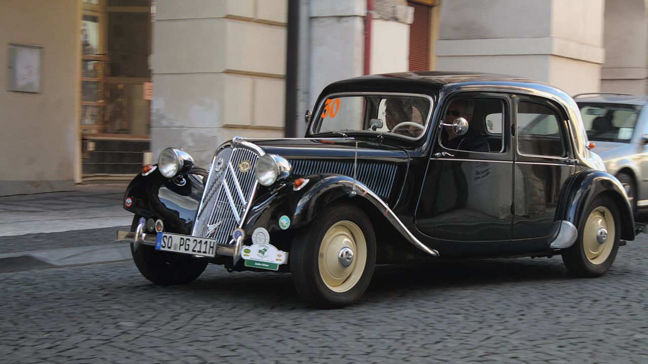 File:Citroen 11 CV, 2013 Oldtimer Bohemia Rally.JPG ...
