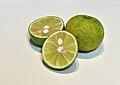 Citrus sudachi 001.jpg