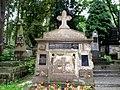 Cmentarz Łyczakowski we Lwowie - Lychakiv Cemetery in Lviv - Tomb of Gorgolewski Family - panoramio.jpg