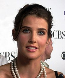 Smulders at the CBS Comedies Premiere Party in September 2008