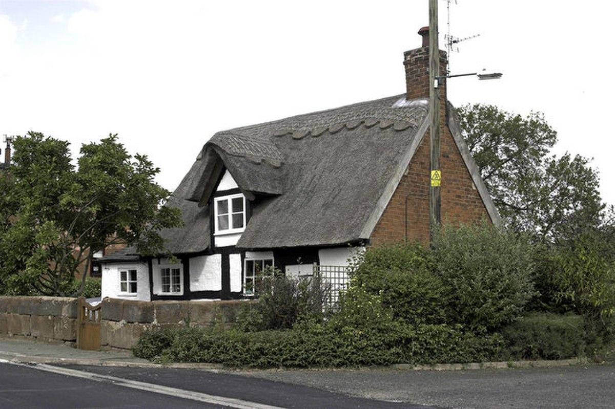 Cockshutt - Thatched Cottage - geograph.org.uk - 226837.jpg