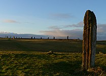 Comet Stone and Ring of Brodgar 20061217.jpg