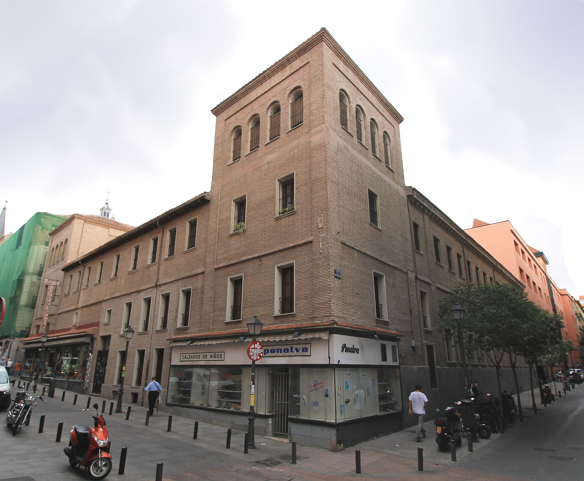 Convento de san pl cido madrid wikipedia la for Calle prado de la iglesia guadarrama