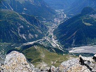 Courmayeur - Courmayeur from the Torino Hut in August 2009