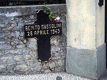 metalliristinen muistomerkki Mezzegrassa Benito Mussolini 28. huhtikuuta 1945