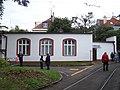 DOD vozovna Strašnice, budova u objízdné koleje (01).jpg