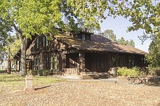 Grace Hudson Museum - Image: DSC07624 Grace Hudson Sun House Ukiah CA by Jennifer Renee Ceja 09 30 2017