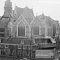 De Oude Kerk op het Oude Kerksplein , de gevels geheel vernieuwd, gezicht vanaf , Bestanddeelnr 916-2605.jpg