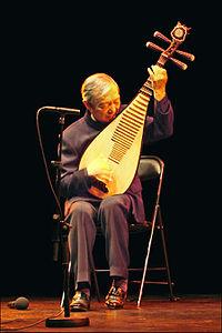 Dehai Liu, un grand maître du Pipa au musée Guimet (5153867190).jpg