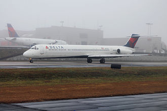 Delta Air Lines Flight 1086 - The aircraft involved in the accident seen in Hartsfield–Jackson Atlanta International Airport in January 2015.