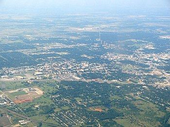 English: Aerial view of Denton, Texas. The cam...