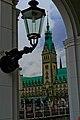 Der Senat hält 1897 Einzug ins neue Rathaus - panoramio.jpg