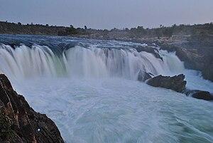 Jabalpur - Image: Dhuandhar falls at Bhedaghat, Madhya Pradesh, India
