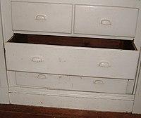 Drawer (furniture)