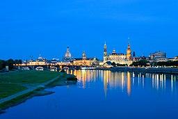 Dresden-Altstadt von der Marienbruecke-II.jpg