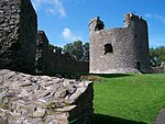 Dundrum Castle (2010-09-12).jpg