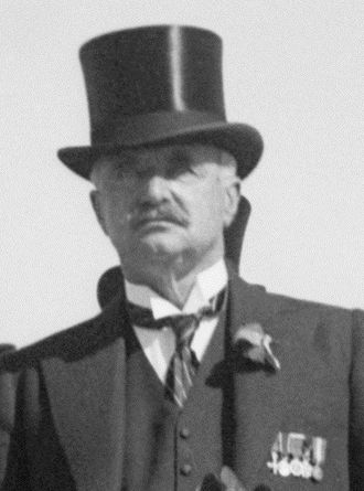 William Peel, 1st Earl Peel - Image: Earl Peel cropped
