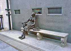 Picture of the Eleanor Rigby Statue on Stanley St. in Liverpool