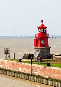 Emden Außenhafen-8570.jpg