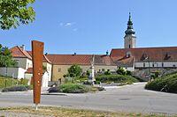 Erlebnisweg Hausleiten Blick auf St. Agatha.JPG