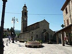 Fabbrica Curone-pieve santa maria assunta-complesso esterno3.jpg