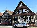 Fachwerkhäuser in der Hauptstraße von Dierbach - panoramio.jpg
