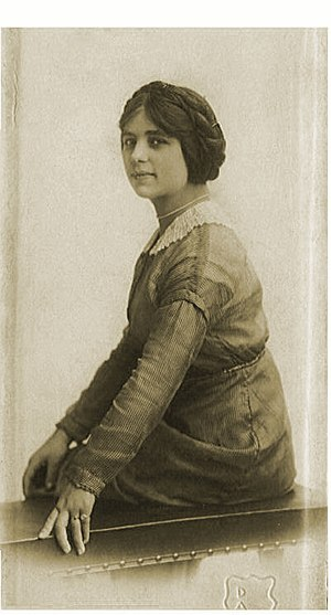 Fanya Baron - Fanya Baron in pre-revolutionary Russia