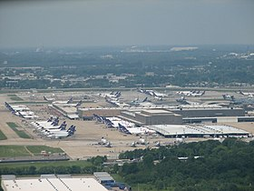 FedEx Super Hub ~` 27 - panoramio.jpg