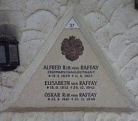 Feuerhalle Simmering - Arkadenhof (Abteilung ARI) - Familie von Raffay, Grab 2 - image 02.jpg