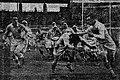 Finale de la Coupe de France de rugby à XV 1939 au Parc des Princes (Pyrénées-Bigorre contre Côte basque), le demi pyrénéen (en blanc) à l'attaque.jpg