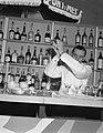 Finale van het nationaal Kampioenschap van de Nationale cocktail competitie, Bestanddeelnr 909-9735.jpg