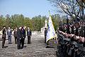 Flickr - Saeima - Svinīgā vainagu nolikšanas ceremonija Rīgas Brāļu kapos.jpg