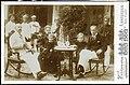 Foto van Henri Borel en Bas Veth in Macassar, 1897.jpg