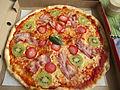 Fruktpizza Rebeca från Mariannes Pizzeria i Sala 0450.jpg
