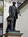 GOC London Public Art 2 008 Statue of John Everett Millais (30998843347).jpg