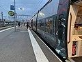 Gare d'Avignon-Centre - un TER à quai en juin 2019.jpg