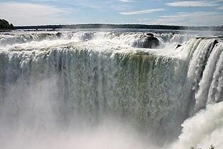 Garganta del Diablo or Devil Throat Iguazu Falls Argentina Luca Galuzzi 2005.JPG