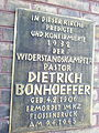 Gedenktafel an Bonhöffer.jpg