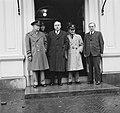 Generaal Eisenhower bij Dr. Drees en Minister s Jacob, Bestanddeelnr 904-3914.jpg