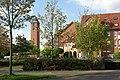 Geschäftszentrum auf der Lieth - Kirche - panoramio.jpg