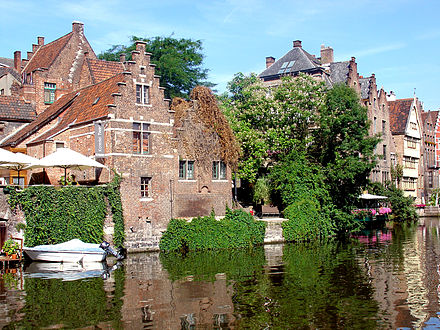 Buildings along the Leie river in the city of Ghent Ghent hist centrum 2.jpg