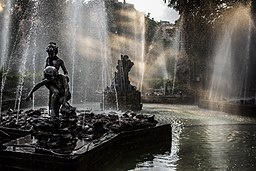 Sunbeam in Fountain - Giardino Inglesi, di Cristiano Drago