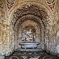 Giardino di castello, grotta degli animali o del diluvio, vasca centrale 01.jpg