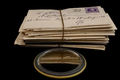 Gouden doosje met visitekaartjes en postkaarten (fonds Tolkowski) (5).png