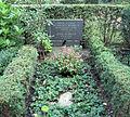 Grabstätte Hüttenweg 47 (Dahl) Walther Behnisch.jpg