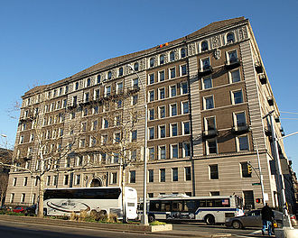 """New Jack City - Harlem's real life Graham Court, known in the film as the """"Carter""""."""