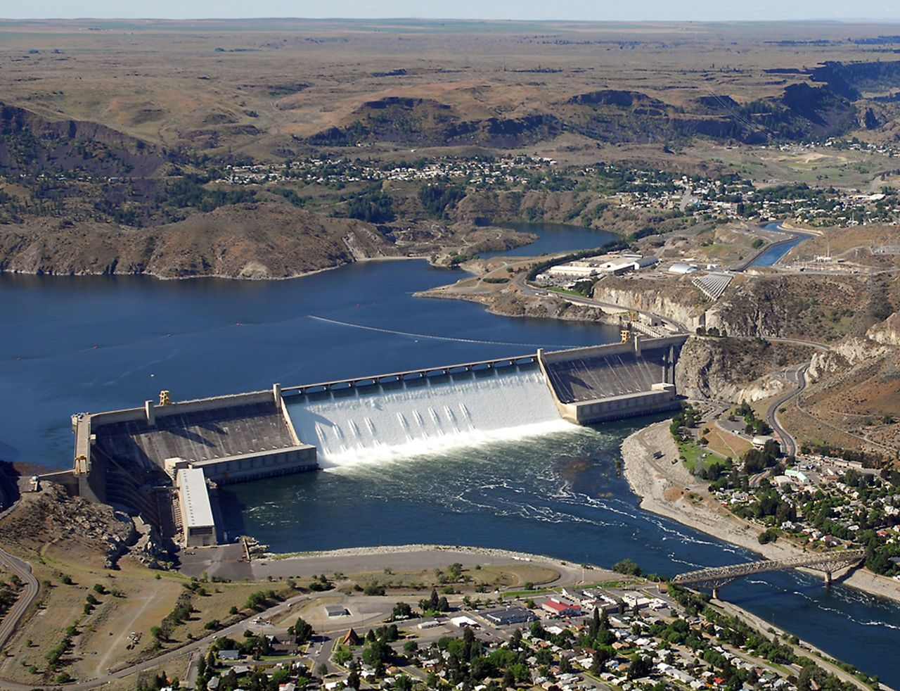 grand coulee dating Date, average low, average high, record low, record high, average  precipitation, average snow january, 21°, 33°, -17° (1950), 61° (1981), 1, na.