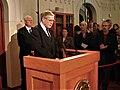 Gunnar Berge meddeler at Jimmy Carter har fått fredsprisen 2002.jpg