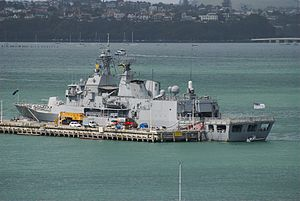 HMNZS Te Mana (F111) - Te Mana alongside at Devonport in 2008