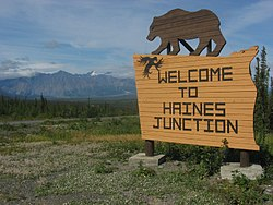 Placa de boas vindas de Haines junction